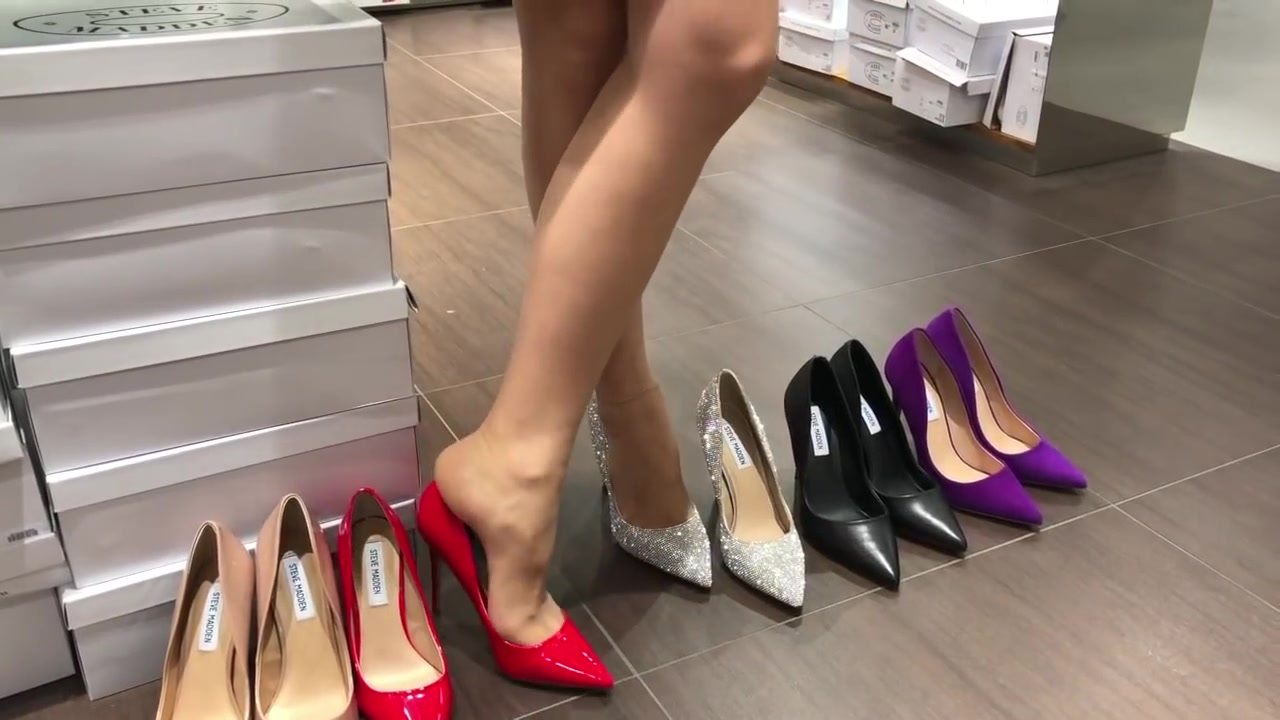 Bupshi - shoe shopping - Steve Madden Daisie