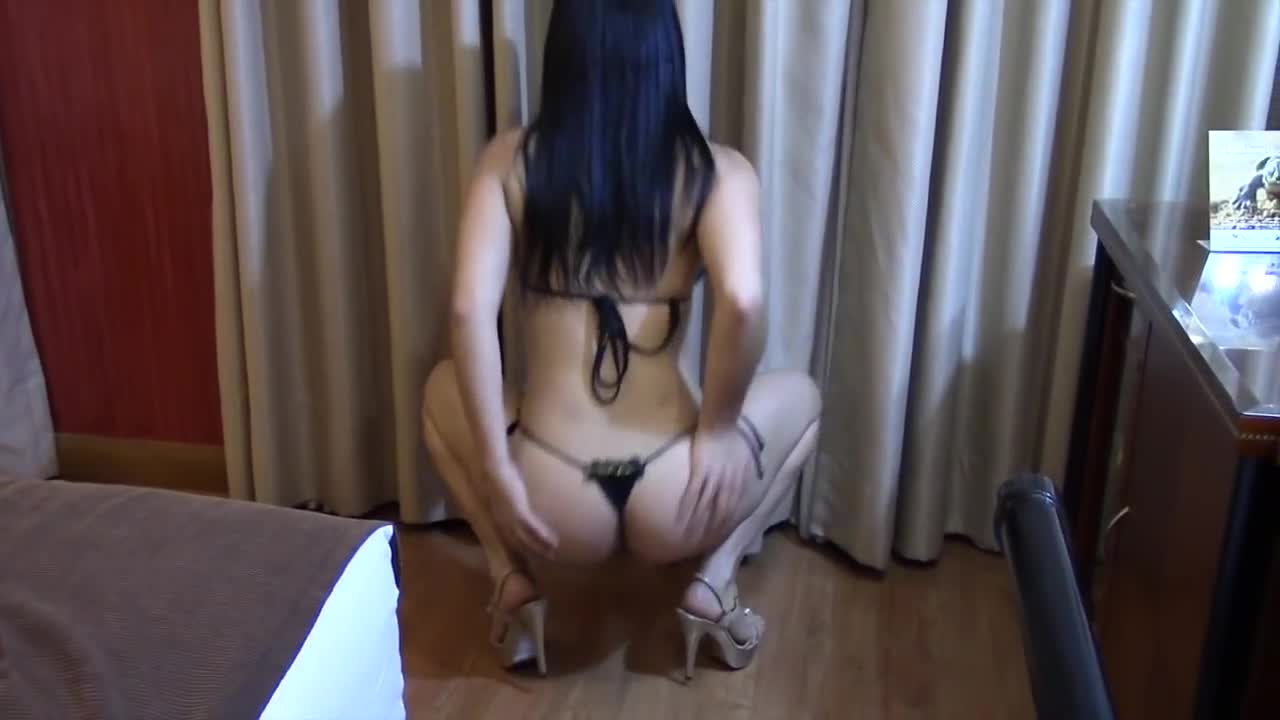 Amazing Brazilian Body--Beautiful Latin Woman Dancing (Music Video)