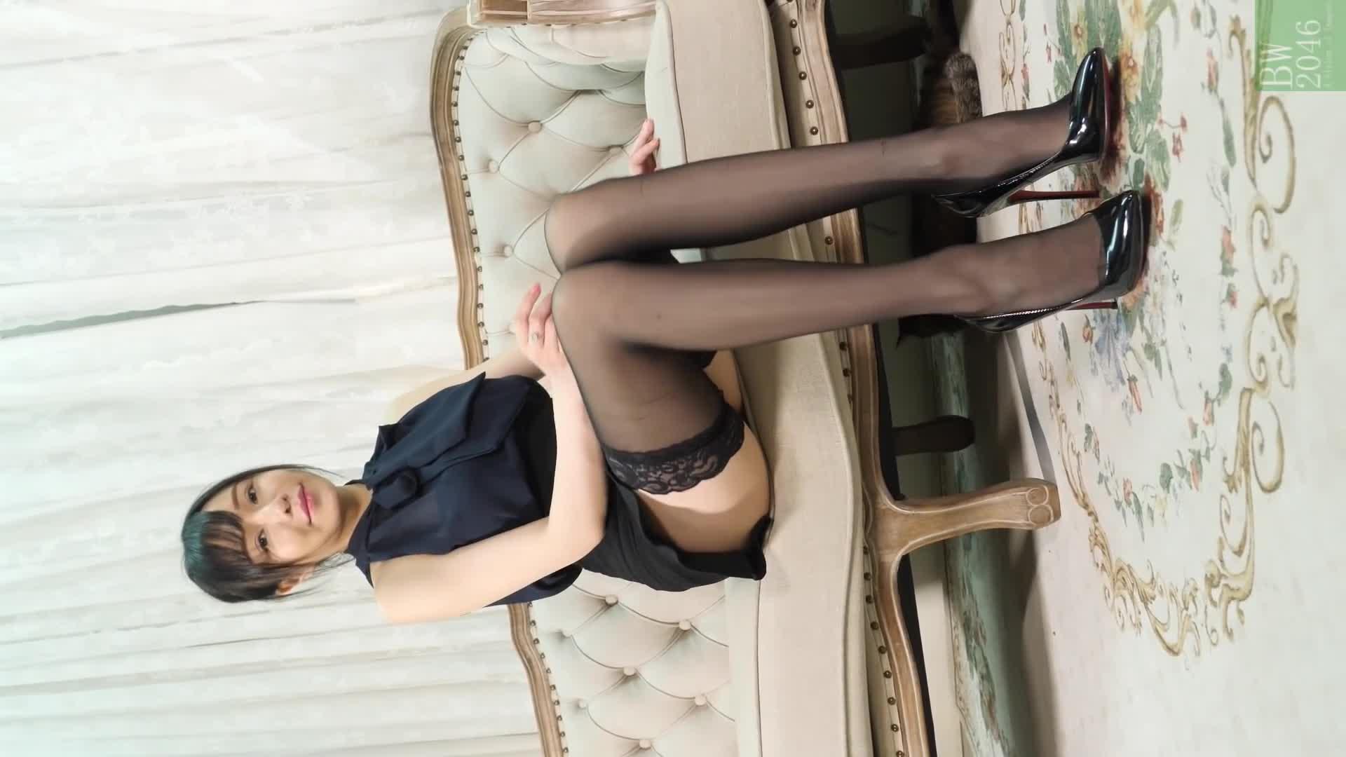 黃子瑩 Joanna Wong - 拍攝花絮 #01 黑絲長腿 @ 少女頻道 Girls Channel X BW X Max Art Place S01E02 (Mobile Version)